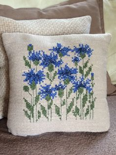 TX-06 Vintage Swedish Tapestry Cushion – view2   Want to do this as cross stitch
