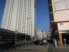 patrząc w jedną stronę: Warszawskie ulice w ogniu walki - 2 października 1...