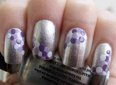 Silver nails with purple polka dots Get Nails, Love Nails, How To Do Nails, Hair And Nails, Polka Dot Nails, Polka Dots, Blue Dots, Nailart, Pretty Nail Colors