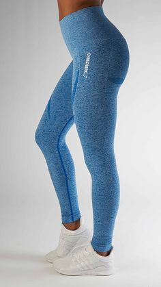 With their stunning and form fitting shape, the Seamless High Waisted leggings in blueberry are beautifully different.