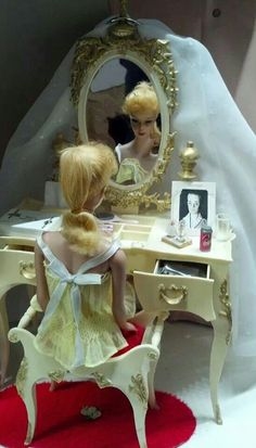 Susie Goose vanity & stool with a blonde ponytail Barbie