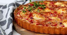 Perinteinen kinkku-juustopiirakka valmistuu hetkessä. Hawaiian Pizza, Vegetable Pizza, Quiche, Feta, Cheese, Vegetables, Breakfast, Recipes, Finland