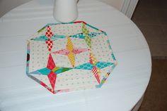 Star Drops Table TopperTutorial on the Moda Bake Shop. http://www.modabakeshop.com