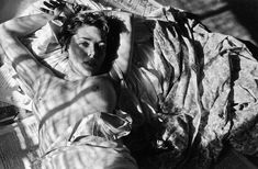 Nu on bedPhoto by Saul Leiter