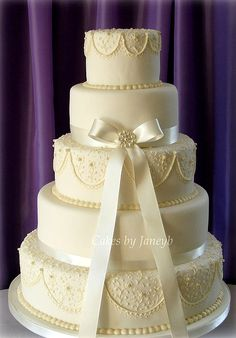 Vintage theme wedding cake!