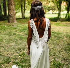 Beautiful look. white dress for wedding ceremony. Rustic Wedding Dresses, Dream Wedding Dresses, Wedding Gowns, Wedding Ceremony, Boho Chic Wedding Dress, Outdoor Wedding Dress, Boho Chique, Bridal Alterations, Beautiful Outfits