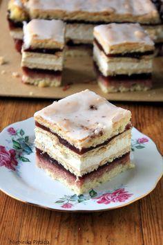 ciasto szkolne Sweet Desserts, Sweet Recipes, Delicious Desserts, Cake Recipes, Dessert Recipes, Sweets Cake, Cupcake Cakes, Polish Recipes, Specialty Cakes