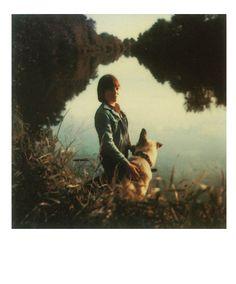 Luz Instantânea: Polaroids de Andrei Tarkóvski apresenta a coleção de fotografias feitas pelo cineasta russo entre os anos de 1979 e 1984, dois anos antes de sua morte prematura por conta de um...