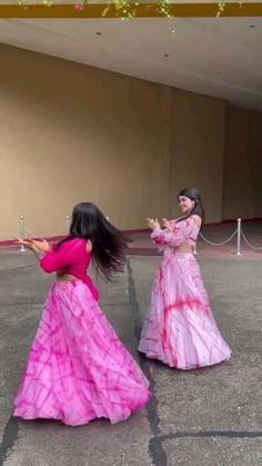 Wedding Dance Video, Indian Wedding Video, Indian Bridal Outfits, Indian Fashion Dresses, Ballet Dance Videos, Beautiful Girl Dance, Wedding Lehenga Designs, Bengali Bridal Makeup, Designer Party Wear Dresses