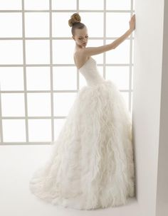 A Beautiful wedding dress from Rosa Clará's TWO collection