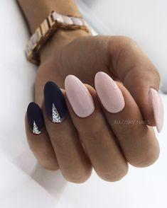 Na obrázku môže byť: jedna osoba alebo viacerí ľudia a detail Sky Nails, Shellac Nails, Almond Acrylic Nails, Cute Acrylic Nails, Round Nails, Oval Nails, Dragon Nails, Flamingo Nails, American Nails