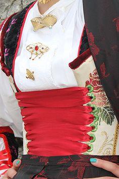 Su giustinu - particolare del costume osiddese