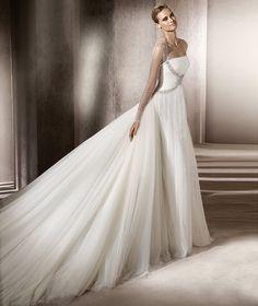Pronovias vous présente la robe de mariée Ebano. Manuel Mota 2012. | Pronovias