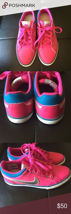 Nike shoes Like new. Great condition. Nike Shoes Sneakers