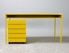 Dieter Rams, Vitsœ 570 + 710, 1957, table + container (repainted)