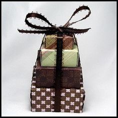 very nice idea Origami Box, Origami Paper, Christmas Origami, Quilling, Holiday Ideas, Punch, Paper Crafts, Delicate, Packaging