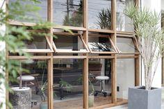 ショップデザイン事例【LIL(リル)】|名古屋の店舗設計&オフィスデザイン専門サイト by EIGHT DESIGN Cafe Shop Design, Cafe Interior Design, Interior Decorating, Facade Design, Exterior Design, Interior And Exterior, Timber Windows, Windows And Doors, Architecture Details