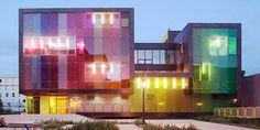 Le_Ruban_youth_center_sports_facility_KOZ_Architects_03.jpg (594×299)