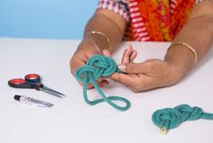 Learn to make knotted rope jewelry with this online class.