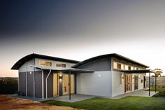 nice Aussie Modular Solutions Kit Home Designs. Visit www. to find yo. Modern Prefab Homes, Modular Homes, House Windows, House Roof, Pre Built Homes, Australia House, South Australia, Tiny House Kits, Prefab Buildings