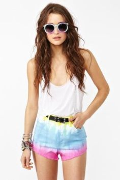 Casual surfer-esque look for summer. Perfect for bumming around at the beach!
