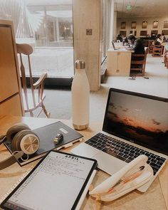 inspiration How To Avoid Sickness At College - College Aesthetic, Study Organization, Work Motivation, College Motivation, School Study Tips, Study Hard, School Hacks, Study Notes, Student Life