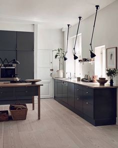Home Decor Inspiration Classic Home Decor, Fall Home Decor, Home Decor Kitchen, Home Decor Bedroom, Cheap Home Decor, Kitchen Interior, Home Kitchens, Küchen Design, Layout Design