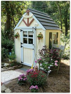 """This tiny Little Digs looks like a Doll House.it even has the sign """"Mr. Sanders"""" over the door that Winnie-the-Pooh had on his abode."""