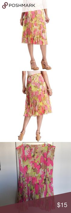 """Loft Pink and Yellow Floral Pleated Skirt 💐🌷 Never worn, beautiful print that is much more vibrant than the stock photos. Fully lined w built in strip. Waist measures 16-17"""" laying flat, length 26"""". Love it but don't get as much wear out of it as I would like, so selling to a good home. LOFT Skirts"""
