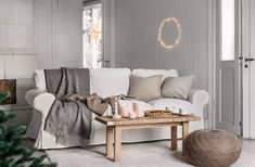 Embrace cosyness, simplicity and comfort to create a peaceful oasis that encourages you to leave the distractions of your busy life at the door. #livingroominspiration #hygge #interiordesign #myIKEA #IKEAlivingroom #wohnzimmerideen #livingroomideas #skandinavian #design #trends #winter #winterideas #decoration