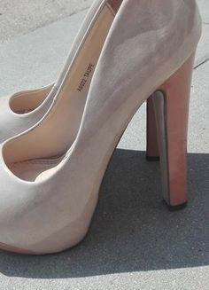Kup mój przedmiot na #vintedpl http://www.vinted.pl/damskie-obuwie/na-wysokim-obcasie/18926232-bezowe-buty-na-slupku-w-kolorze-nude-toupe