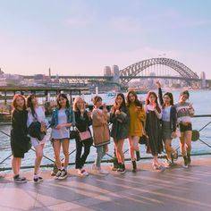 in See you tomorrow at 🙌❤️ Ulzzang Korean Girl, Ulzzang Couple, Best Friend Pictures, Friend Photos, Friends Group Photo, Korean Best Friends, Friends Moments, Yuehua Entertainment, Bff Goals