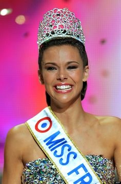The beauty from Charnay-lès-Mâcon is 19 years old and stands 1.76 m Miss France