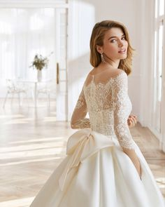 Aire Barcelona Wedding Dresses, Dream Wedding Dresses, Wedding Suits, Bridal Dresses, Wedding Gowns, Bridesmaid Dresses, Ballgown Wedding Dress, Wedding Lace, Lace Wedding Dress With Sleeves