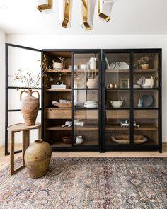 Home Living Room, Living Spaces, Living Room Storage, Living Room Designs, Muebles Living, Deco Design, Interiores Design, Home Decor Inspiration, Home Fashion