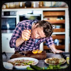 Jamie Oliver The only chef who is going to help cure this country of horrid eating habits. Oliver for all your hard work. I appreciate you! Jaime Oliver, Chefs, Weird Food, Le Chef, Chef Recipes, Eating Habits, Soul Food, Food Videos, Food Photography