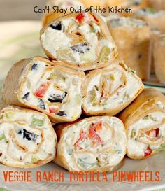 Veggie Ranch and Bacon Tortilla Pinwheel Platter- These tasty appetizers are pretty special. I warn you in advance, it's really hard to eat only one of these delicious pinwheels! Pinwheel Appetizers, Pinwheel Recipes, Appetizer Dips, Appetizers For Party, Party Dips, Appetizer Recipes, Tortilla Pinwheels, Tortilla Rolls, Roll Ups Tortilla