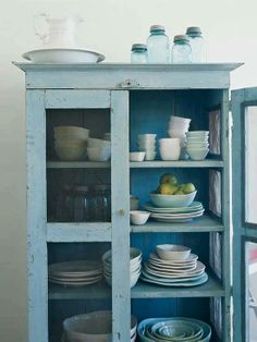 Love the hutch, and the wash basin on top
