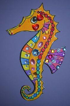The Art of Travel - The Imagination Box > voorbeeld zeepaardje - seahorse Seahorse Crafts, Seahorse Art, Ocean Crafts, Seahorses, Under The Sea Crafts, Under The Sea Theme, Summer Crafts, Summer Art, Kids Crafts