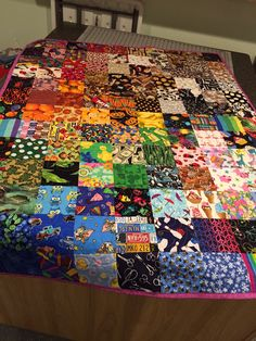 Cool i spy quilt. Blocks are grouped by color, which gives a little rest to the eye.  Size:  1.25 MB