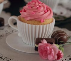 spotted, cupcakes in cups, so easy and so romantic!
