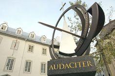 Le monument soulignant le 350e du Séminaire de Québec by CCNQ, via Flickr Chute Montmorency, Chateau Frontenac, Le Petit Champlain, Quebec Winter Carnival, Internal Courtyard, Fresco, Park