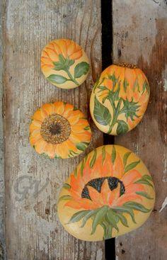 L' albero dei sassi...Great variety of sunflowers painted on stone!!
