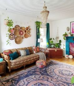 45 Awesome Bohemian Living Room Decoration Ideas To Create A Comfortable Atmosphere In Your Home Bohemian Interior, Bohemian Decor, Bohemian Style, Bohemian Design, Bohemian House, Modern Bohemian, Boho Chic, Decoration Inspiration, Room Inspiration