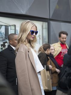London Fashion Week / February 2014 - Day 3 / No words needed - beautiful Poppy Delevingne on her way to the Topshop UNIQUE show Best Fashion Blogs, I Love Fashion, Fashion Fashion, Fashion Women, Style Me, Cool Style, Topshop Unique, Poppy Delevingne, Blonde Beauty