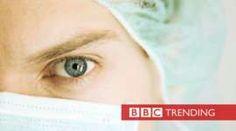 Cerca de la cara doctor llevaba máscara