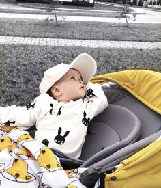 Cute Kids, Cute Babies, Baby Kids, Baby Baby, Kids Fever, Baby Fever, Baby Pictures, Baby Photos, Baby Boy Fashion