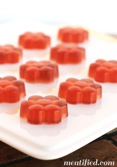 Hibiscus Homemade Gummies - no sugar needed, so this is the perfect low carb way to get your gelatin fix!