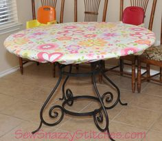 Sew Snazzy Stitches: How To Make A Fitted Tablecloth.great idea so they can use their kid-sized table for crafts Round Outdoor Table, Round Picnic Table, Picnic Table Covers, Round Table Covers, Outdoor Tablecloth, Plastic Table Covers, Vinyl Tablecloth, Plastic Tables, Round Tablecloth