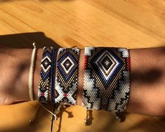 Loom Patterns, Beading Patterns, Diy Accessoires, Native American Beadwork, Loom Bracelets, Peyote Stitch, Beaded Jewelry, Jewels, Beads